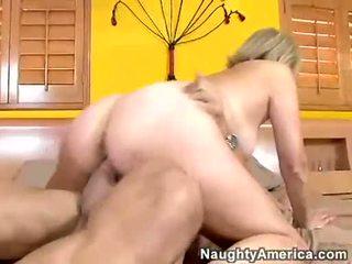 κάθε ιππασία εσείς, κάθε ώριμος, πιο hot πορνοστάρ νέος