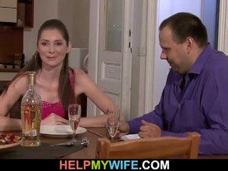 Gemuk suami pays itu pizza guy tot apaan dia istri
