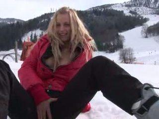 Eroberlin anna safina רוסי בלונדיני סקי אוסטריה ציבורי