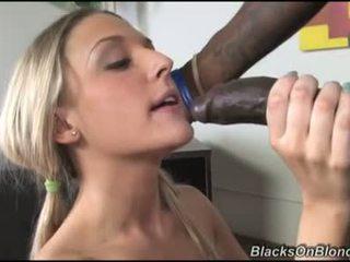 Tristyn kennedy päästää darksome dong load hänen donut kanssa kumulat