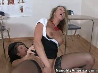 Bitchy โกลเด้น haired brandi ความรัก likes getting cummed บน เธอ throat หลังจาก a ยาก เพศสัมพันธ์