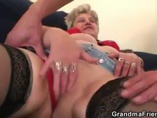 Horký trojice orgie po masturbating