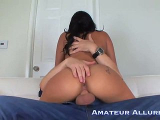 Giselle Mari give wet and sloppy suck job