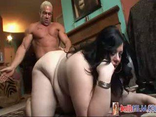 Stunning Pussy Mia Leone Fucking For Free