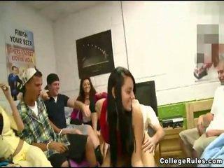 beste college porno, echt hardcore sex video-, beste groepsseks neuken