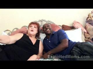 Babunia receives bawdy cleft pounded przez duży czarne kutas