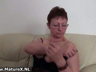 oma, zien solo, vol masturbatie gepost