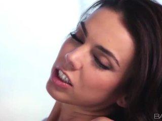 لطيف امرأة سمراء, كل الجنس المتشددين, تحقق الجنس عن طريق الفم حر