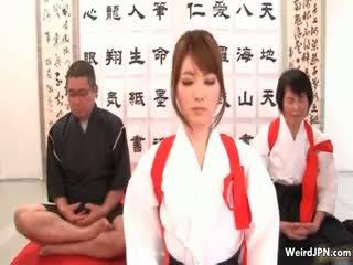 Сладурана японки karate мадама насилване part6