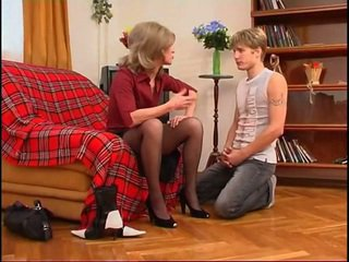 Russian mom aku wis dhemen jancok dominates young guy