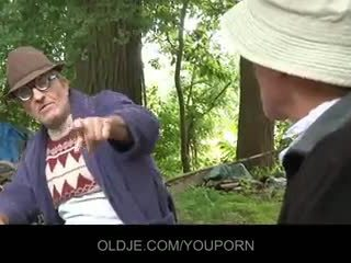 Stary farts pleasing napalone laska w the woods