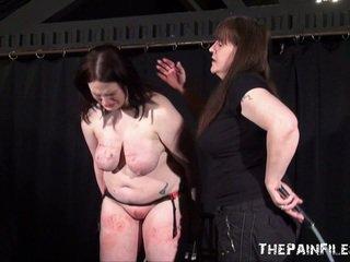Alyss freaky lésbica sadism e whipping para tears