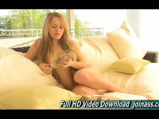 Madison nuori blondi ftv tyttö masturboimassa
