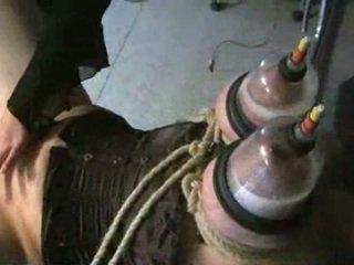Ogromny laktacja cycuszki w vacuum