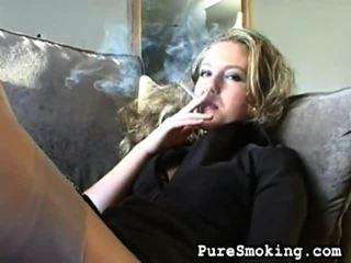 beste video, jonge meisjes roken, nominale roken fetish klem