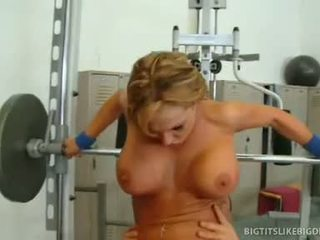 Busty Wench Nikki Sexxx Acquires A Deep, Hard Pussy Work Out From Meaty Cock