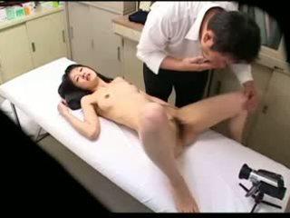 Spycam перверзен лекар uses млад пациент 02