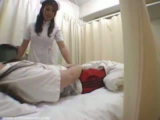 여자 간호사 duties ward 섹스