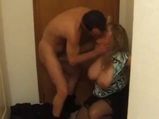 Tettona francese matura in profondo anale cazzo