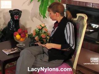 Alice és alina szemérmetlen harisnya videó