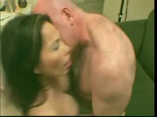 Seksi dewasa gadis nakal asia lai loves itu di dalam