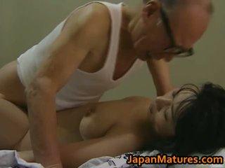 Het asiatiskapojke baben has äldre kön