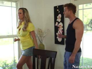 Big Titted Blonde Mature Brandi Love Sits Onto Gardner