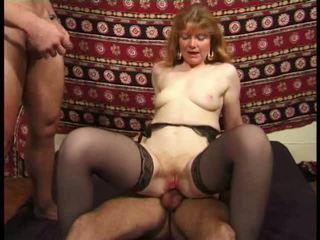 Martine, madura anal banged en calcetas vídeo