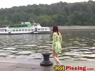 seks in de buitenlucht film, pissing, mooi goldenshower video-