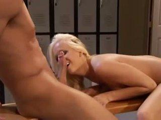 meest blondjes porno, zien pornosterren, mooi locker room