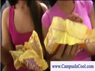 kwaliteit college, nominale college meisje mov, nieuw student