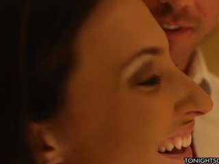 Lily Carter Is Surprised By Lizz Tayler And They Have Nice 3some
