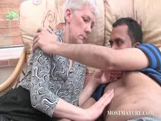 blondie mature gets her Melons teased