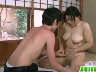 Jepang matures: jepang diwasa babeh with her young ceking lover.