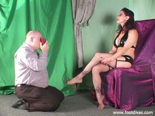 Jazzmine gets viņai apavi un pēdas sniffed