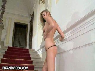vol brunette film, hardcore sex neuken, mooi piercings film