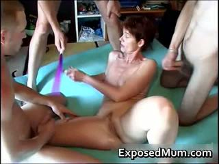 Anya spanked és szar