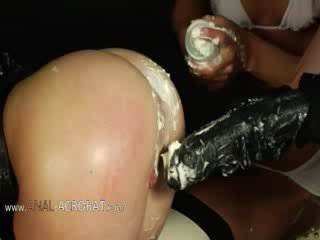 Extremely 잔인한 bottom 게임 와 cream