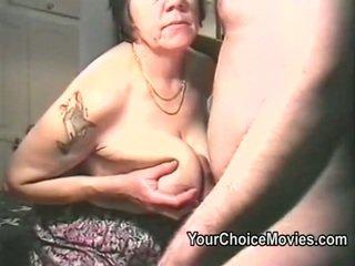 늙은 couples 꼬인 집에서 만드는 포르노를 영화