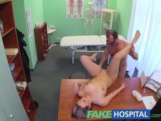 Fakehospital 새로운 의사 gets 뿔의 엄마는 내가 엿 싶습니다 벌거 벗은 과 젖은 와 desire