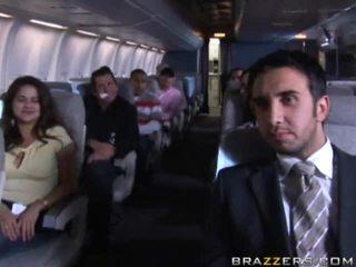 Heiß mädchen having sex im ein airplane xxx