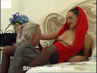 Helena et randolph mindblowing strapon film