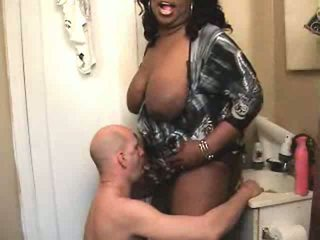 zuig- scène, grote borsten seks, controleren interraciale gepost