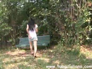 brunette thumbnail, amatoriale mov, fun italian