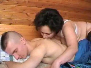 Dronken russisch moeder seduces de youth