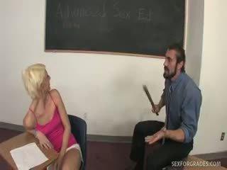 Cum ar putea christine alexis fi failing sex ed?
