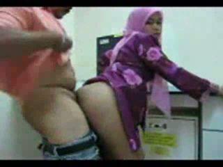 Playful arab dalaga shows off kanya puwit para pagtatalik video