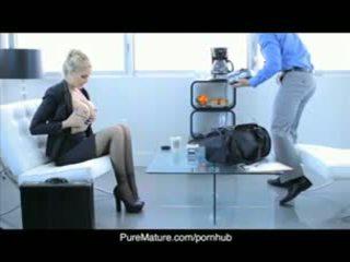 Puremature julia anns sexual afaceri întâlnire