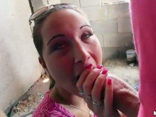 Dāma boxer agata flashes bumbulīši un fucked