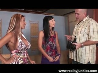 brunette video-, heetste jong tube, schoonheid thumbnail